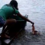 ピラニアの簡単な釣り方――指先に注意!!