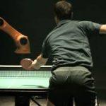 人間 VS ロボット、究極の卓球対決