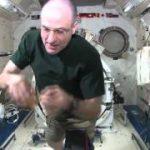 宇宙でのヨーヨー実験