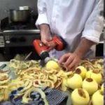 とてつもなくスピーディにリンゴの皮をむく方法