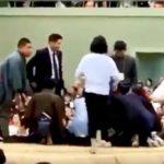 「女性は下りて」土俵に大量の塩 大相撲春巡業