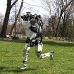 ロボットが2本足で野外を走る!