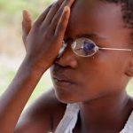 1ドルで作れる眼鏡、マラウイで2万本以上売り上げ