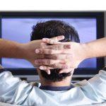 テレビやスマホで、長い間座っていると、心疾患など、14種類の病気による死亡リスクが上がる