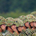 自衛隊幹部(尉官以上)の51%が高卒以下で、他の公務員と異なり教育の機会を与えられていない