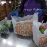 食料品店がレジ袋削減のために「アダルトビデオ店」とプリントしたら逆に人気爆発してしまった