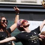 「最高にワル」なチームに賃金平等を要求 米女子サッカー代表