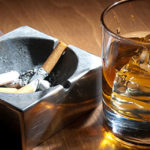 食道がんのリスクは喫煙で2.9倍、飲酒で2.7倍に増えるが、両方やると8.9倍にドーンと増える!!