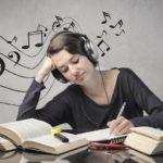 「勉強中に音楽を聞く」のはアリなのか?