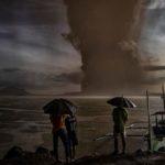厳戒続くフィリピンの火山噴火 タール火山とタール湖