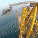 ロシア少年が高さ320メートルの橋の上に不法侵入して撮影した映像