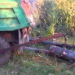 """材木をトラックの荷台に乗せる""""Clever""""な方法"""